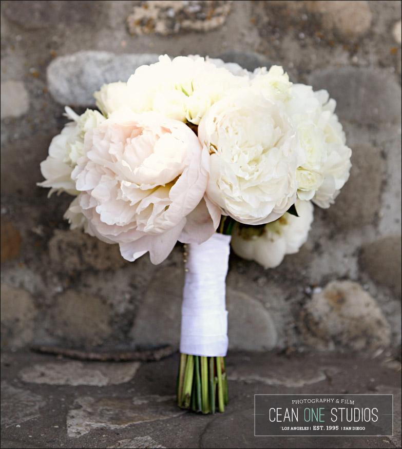 cream bridal bouquet | Cean One Photography| Southern California Wedding Photographer | Lincourt Vineyards