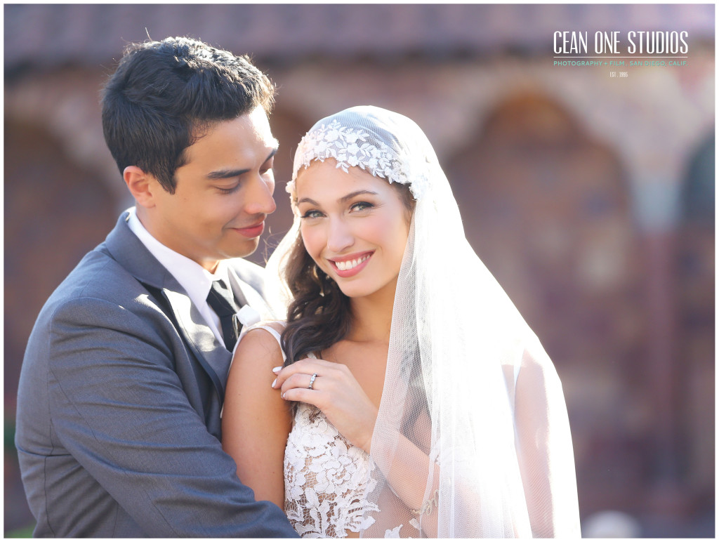groom looking at bride  | Cean One Photography | Southern California Photographers